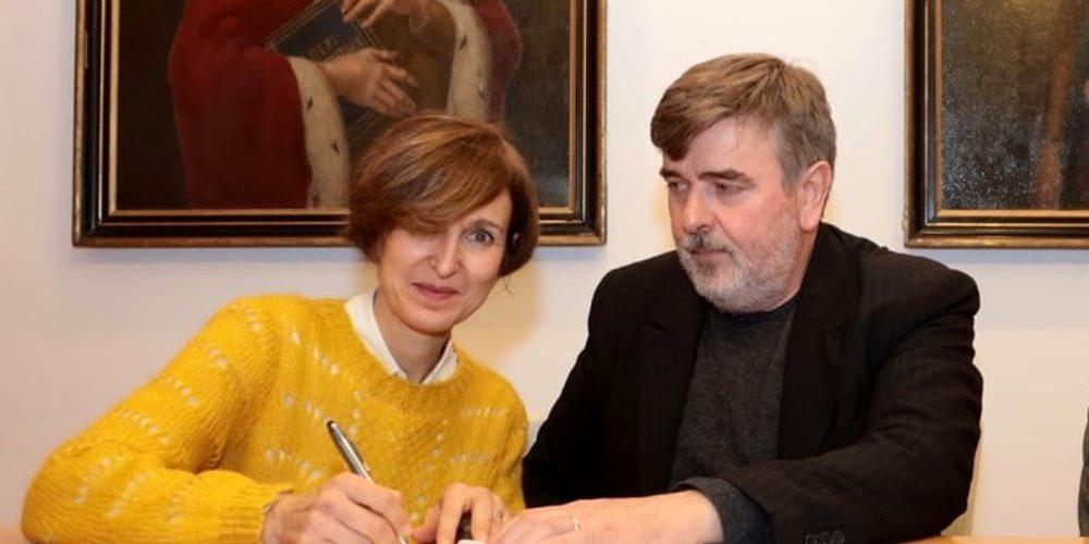 Anna Biron e Sergio Criveller alla firma della Convenzione-2